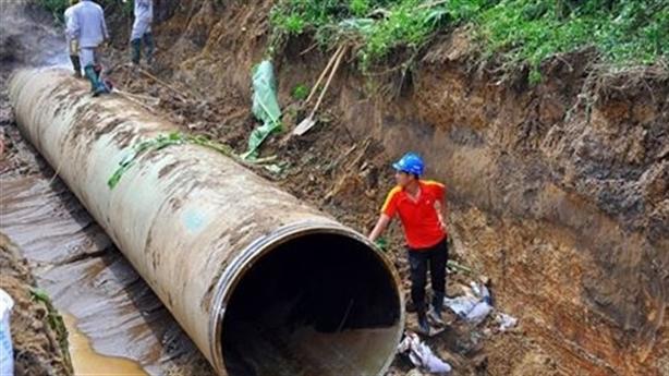 Ống Trung Quốc dẫn nước ăn TPHCM: Đúng quy trình