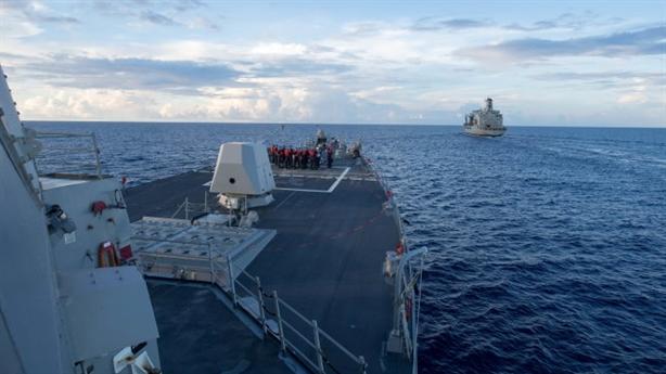 Phản ứng Việt Nam khi tàu Mỹ tuần tra trên Biển Đông