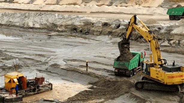 Mỏ sắt Thạch Khê:Hà Tĩnh muốn dừng, chủ đầu tư quyết làm