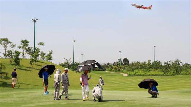 Thu hồi đất sân golf Tân Sân Nhất: Nên làm vì dân...