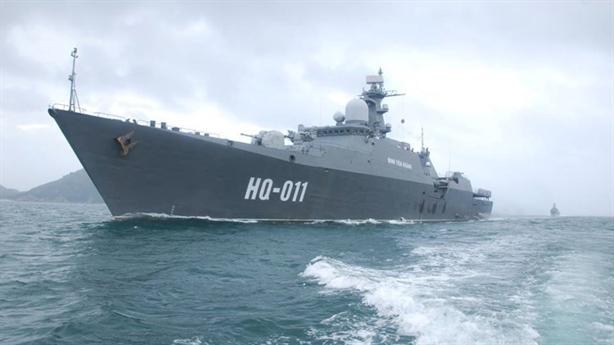 Thuyền trưởng Nga khuyên Việt Nam mua tàu hộ vệ 20385