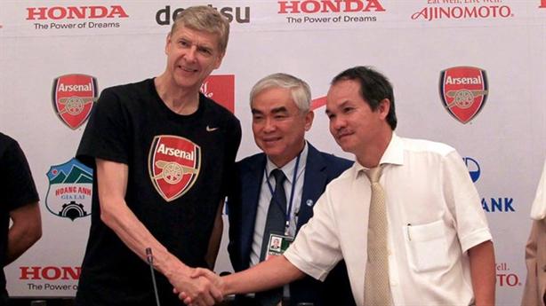 Bầu Đức ngừng hợp tác với Arsenal, Cường Đôla thu ngàn tỷ