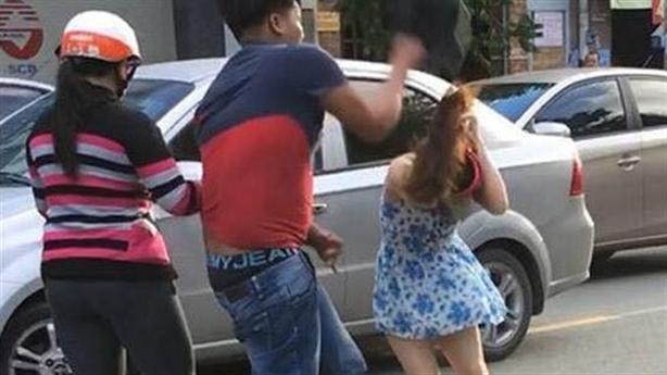 Sự thật thanh niên to khỏe đánh cô gái giữa đường