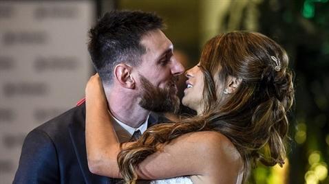 Những khoảnh khắc mật ngọt trong đám cưới Messi