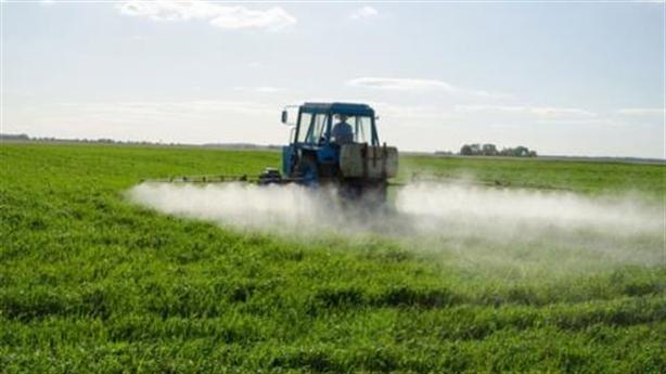 Nhập phân bón, thuốc trừ sâu TQ tăng vọt: Cảnh báo nóng