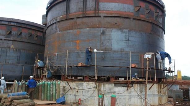 Nhà máy alumin Nhân Cơ phát tán bột màu trắng