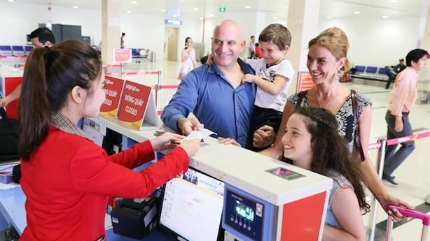 Nhân viên check-in cho Vietjet Air nghỉ đồng loạt: Đang điều tra