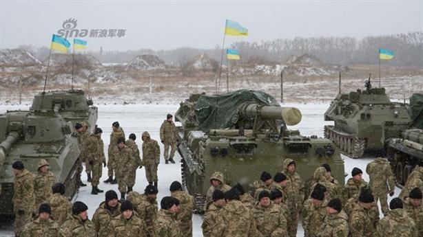 Xạ thủ châu Âu vào Donbass, IMF ngừng viện trợ Ukraine