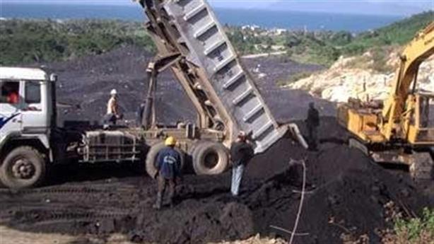 Đào núi hạt nix ở Khánh Hòa: Hiểm họa môi trường nếu...