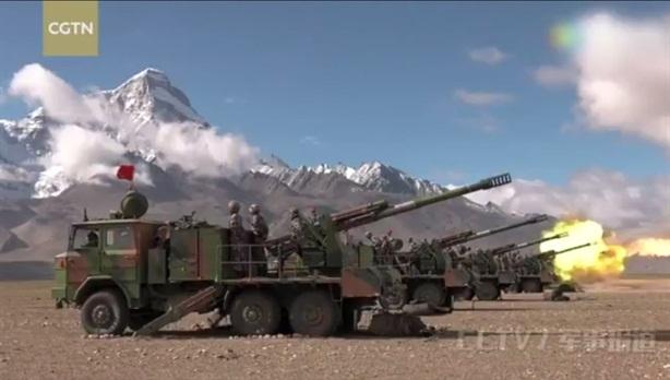 Trung Quốc bắn đạn thật giáp biên giới Ấn Độ