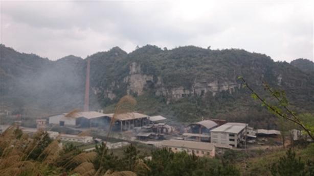 Dân sống không yên cạnh nhà máy chì: Lời thật xót lòng