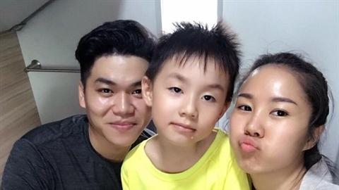 Showbiz Việt 'được mùa' tình chị duyên em