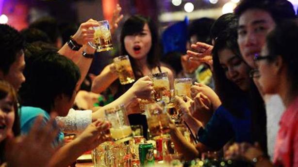 Việt Nam hút hãng bia ngoại: Minh chứng cường quốc nhậu