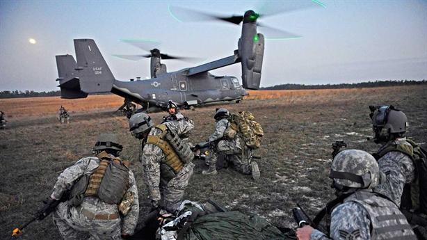 Lính Mỹ bị sét đánh khi ngồi trong máy bay V-22 Osprey
