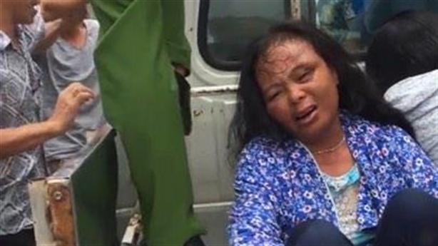 Đánh phụ nữ vì nghi bắt cóc: Cán bộ đến vẫn đánh