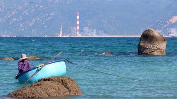Khu vực nhận chìm bùn thải: Chủ yếu là cát mịn