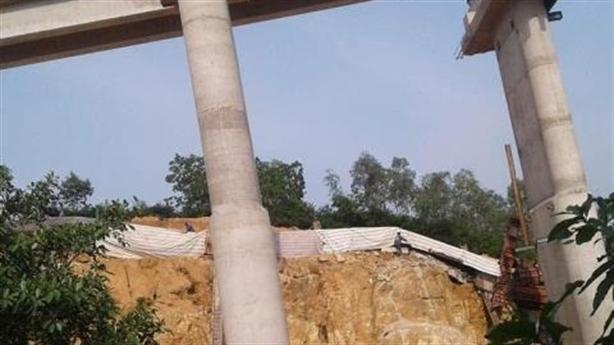 Dầm cầu cao tốc Hạ Long - Vân Đồn gãy nát: Điểm lạ
