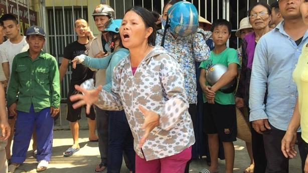 Cháy xưởng làm bánh: Nhiều nạn nhân ôm và nằm sát nhau
