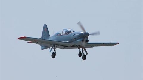 Máy bay Yak-152 khiến Nga mòn mỏi
