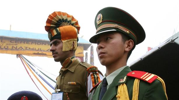 Trung - Ấn đẩy nhau đến miệng hố chiến tranh