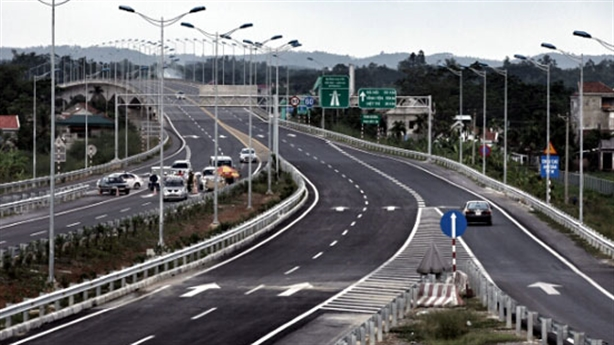 Làm đường cao tốc Việt - Ấn: Không cạnh tranh mới sợ