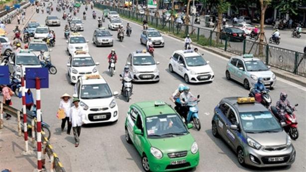 Taxi Hà Nội sẽ cùng một màu sơn: Điều doanh nghiệp sợ...