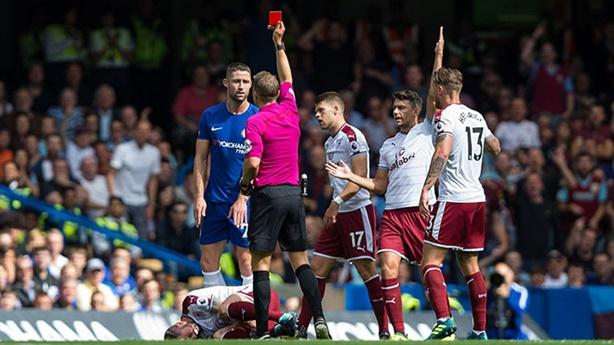 Ngoại hạng Anh: Chelsea thua đau trước đội trụ hạng