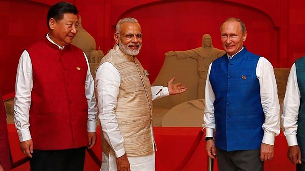 Nga hay Mỹ sẽ tháo ngòi nổ Trung-Ấn?