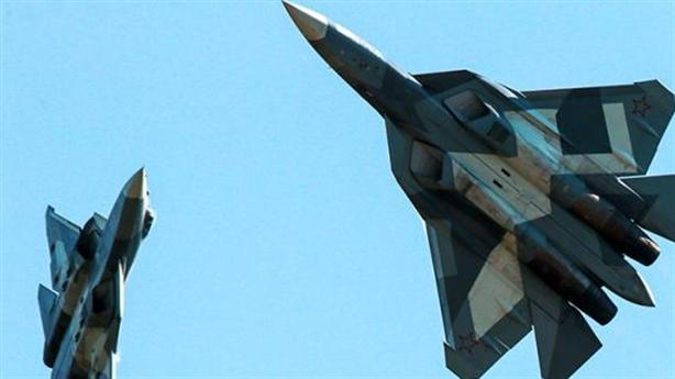 Cơ hội nào dành cho F-22 trước Su-57?