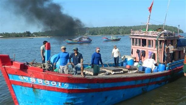 Chỉ tên tàu cá Trung Quốc tấn công ngư dân Việt Nam