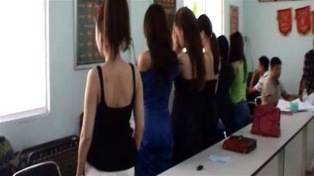 Người mẫu đi khách nghìn đô, gái bán dâm tính tăng giá
