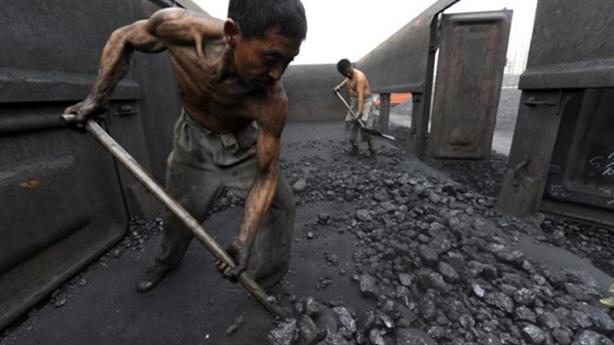 Núi nợ dâng cao của Trung Quốc: Bơm tín dụng ra nhiều...