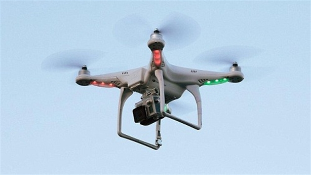 Du khách Mỹ bay flycam không phép trên đèo Hải Vân