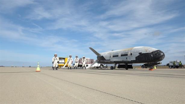 X-37B lần đầu tiên được phóng bằng Falcon 9