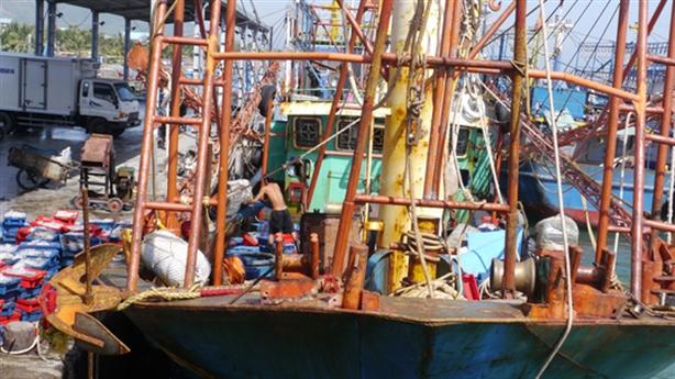 Đăng kiểm thuyết phục ngư dân chấp nhận thép Trung Quốc