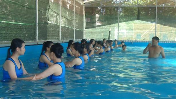 Xây hồ bơi học sinh thu phí BOT: Hiểu lầm hết rồi!