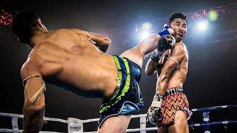 Nhà vô địch Muay Thái bị knock-out bởi một cú đá