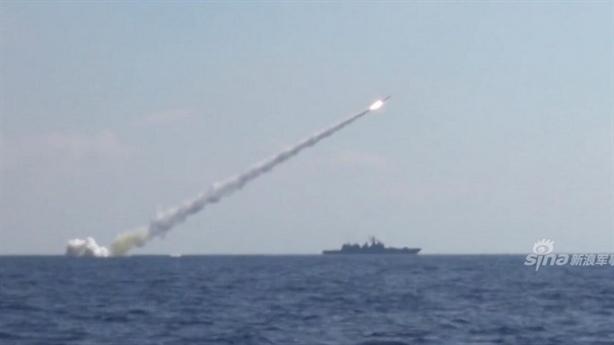 Tàu ngầm Nga lộ 'gót chân Achilles' khi phóng Kalibr