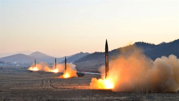 Nga lạnh lùng khi Triều Tiên phóng tên lửa qua Nhật Bản