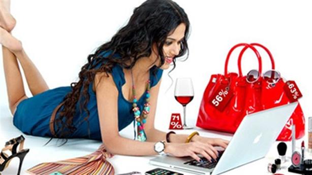Vợ dành toàn bộ thu nhập cho quần áo, đầu tóc