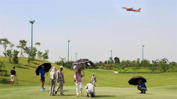 Thu hồi sân golf trong Tân Sơn Nhất: ĐBQH được báo cáo