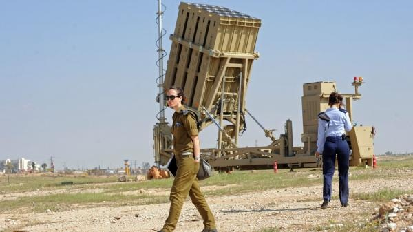 Israel triển khai gấp Iron Dome đối phó với 'trận mưa Scud'