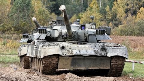 Nga bán thanh lý dây chuyền sản xuất T-80U, ai sẽ nhận?