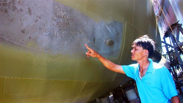 Vỏ tàu thép quá mỏng: Đăng kiểm đang giám sát