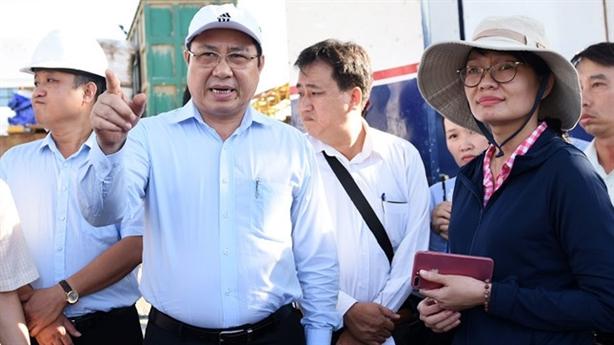 Ông Huỳnh Đức Thơ chỉ đạo khi thị sát