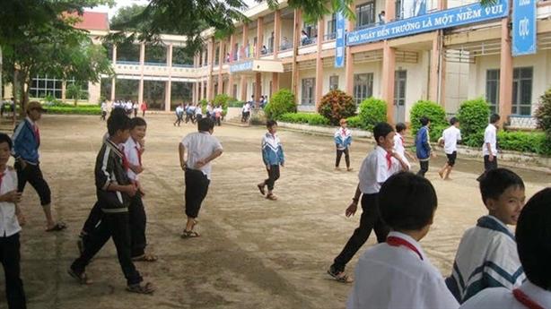 Học sinh đóng tiền xây dựng nông thôn mới: Phải chấm dứt