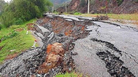 Bất ngờ đường gần 70 tỷ chưa làm xong đã nứt toác