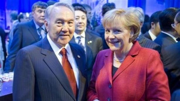 Kazakhstan đang dần thoát khỏi cái bóng nước Nga?