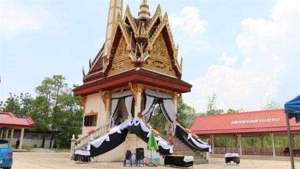 Du khách Trung Quốc tưởng lò hỏa táng là đền thờ