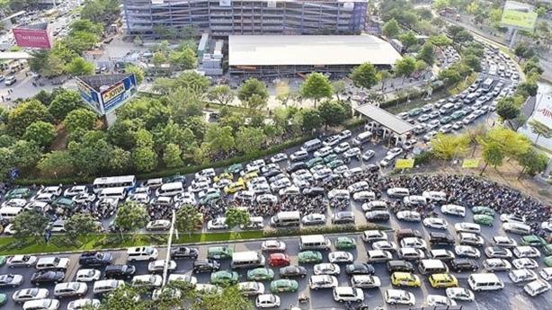 Tàu 5000 tỷ giảm tắc Tân Sơn Nhất: Lo thầu Trung Quốc
